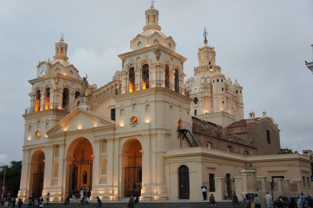 La cathedrale, magnifique, en fin de journee